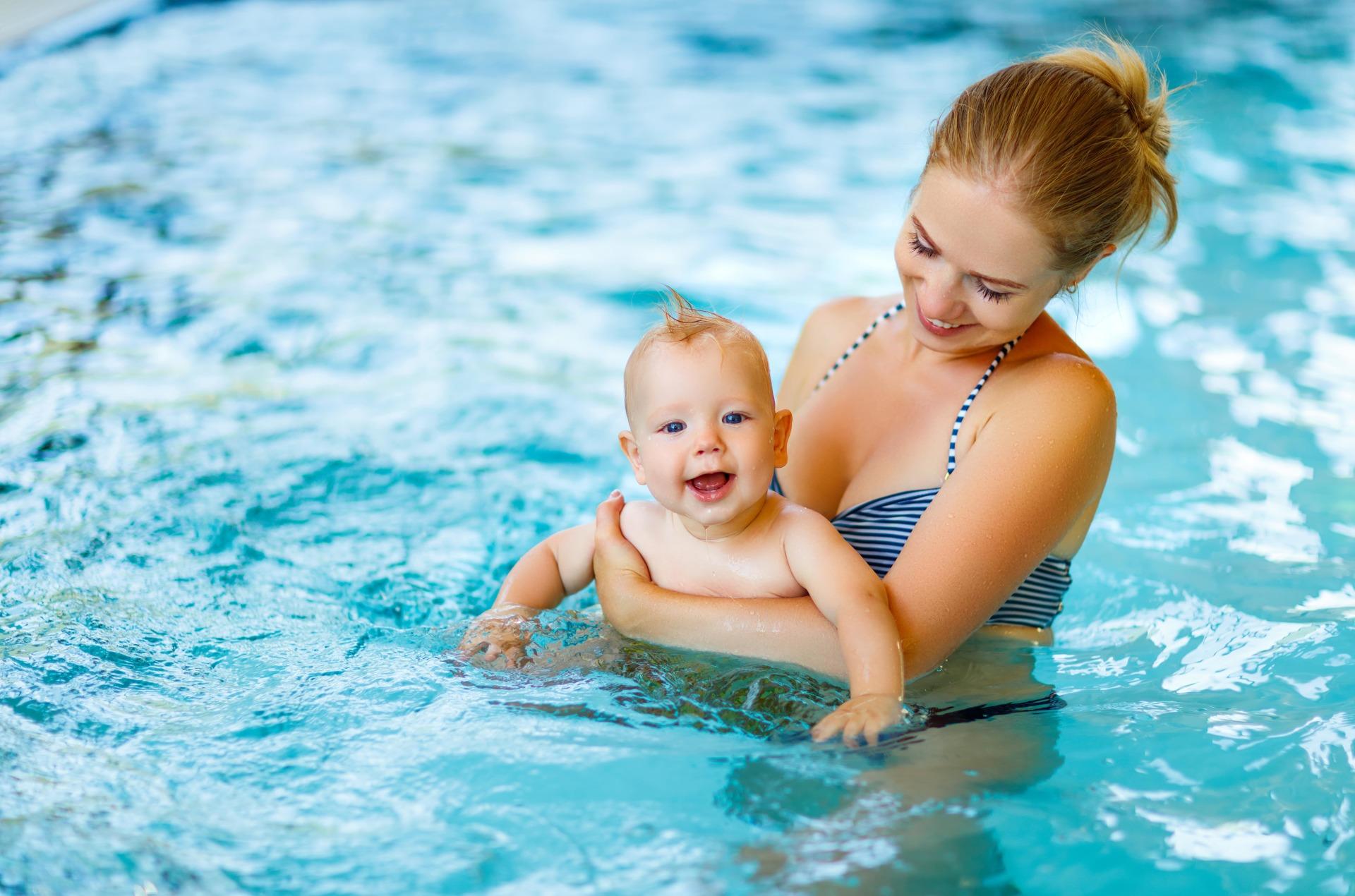 Сделать справку в бассейн в Дедовске недорого